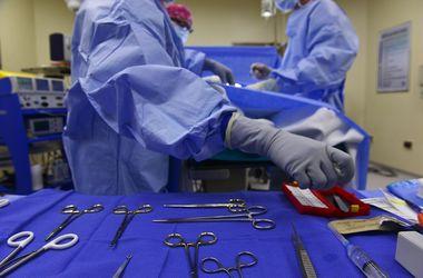 Индийские врачи вырастили нос на лбу пациента