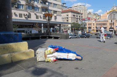 В Киеве статуя Богородицы упала с постамента