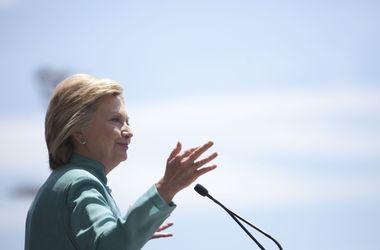 Генпрокуратура США закрыла расследование дела о переписке Клинтон