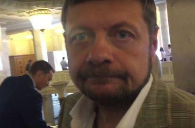 Двери в сессионный зал Рады закрыты – Мосийчук