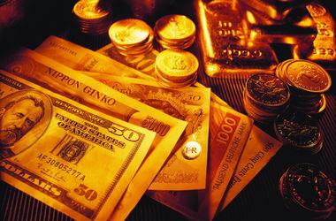 НБУ активно копит валюту