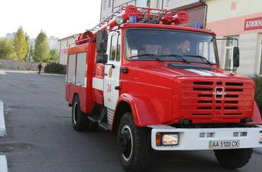 В Киеве дотла сгорела машина