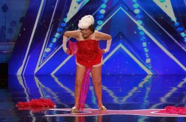90-летняя американка станцевала стриптиз на шоу талантов