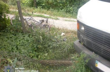 В Ровенской области пьяный водитель грузовика переехал  велосипедиста
