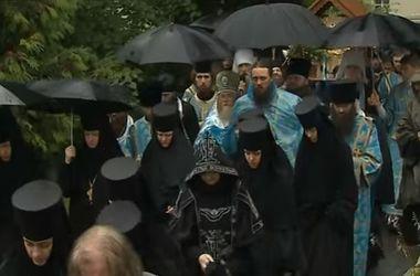 Крестный Ход из Почаева длинной в 438 километров приближается к Киеву
