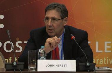 Россия пересматривает политику в отношении Украины из-за санкций- экс-посол США Хербст