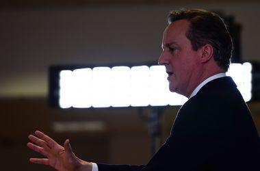 """""""Ту-ту-ду-ду"""": премьер Великобритании Кэмерон с песней покидает свой пост"""