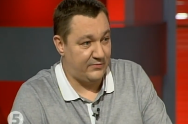 Тымчук объяснил, почему на Донбасс свозят технику и российских военных