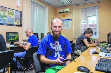 В Днепре бойцы-дембеля осваивают IT-технологии