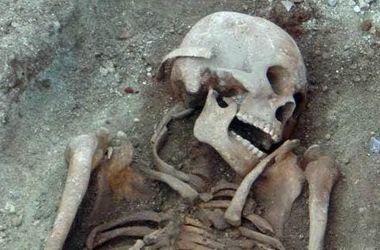 Вблизи Мариуполя обнаружили останки великана