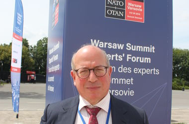 Россия считает политику НАТО направленной на ее изоляцию - британский эксперт