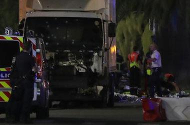 Очевидица теракта в Ницце: Грузовик просто начал ехать по людям и стрелять по ним