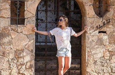 Певица Юлия Ковальчук похвасталась фигурой в бикини (фото)