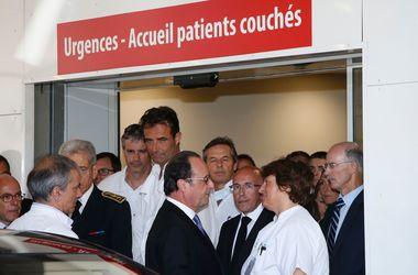 Олланд: Около 50 пострадавших в Ницце находятся между жизнью и смертью