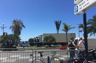 Подробности теракта в Ницце: террорист прикинулся доставщиком мороженого