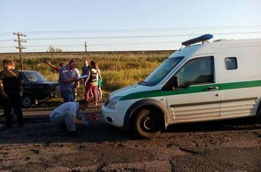"""Неизвестные расстреляли инкассаторскую машину """"Ощадбанка"""""""