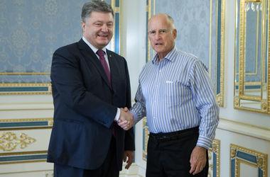Губернатор Калифорнии пригласил Порошенко ознакомиться с потенциалом его штата в сфере IT и ВПК