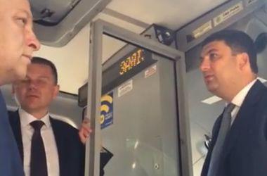 Гройсман прокатился в новом винницком трамвае