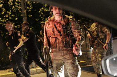 В Стамбуле задержаны четверо военнослужащих, пытавшихся совершить переворот