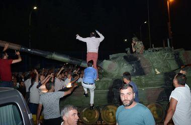 Попытка военного переворота в Турции: хроника событий