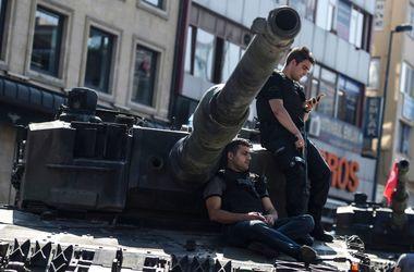 Переворот в Турции: Стало известно, кто мог организовать путч