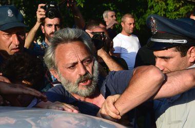 В Армении в связи с захватом участка полиции задержаны уже 200 человек