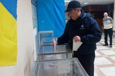 Явка на промежуточных выборах нардепов в шести округах из семи составила 32,94% - ЦИК