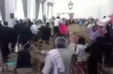 В Мексике учителя устроили массовое побоище