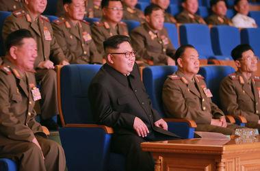 Северная Корея запустила три баллистические ракеты