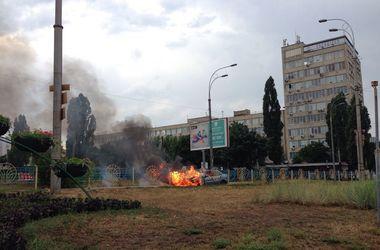 В Киеве на ходу вспыхнула машина