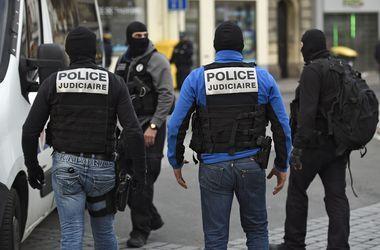 Французы задержали таксиста, у которого нашли взрывчатку