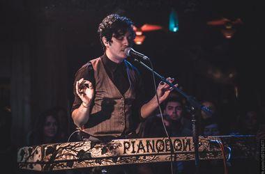 <p><span>Pianoboyпризнался, что в школе слушал Цоя, а Бьорк — «святая». Фото:ufest.in.ua</span></p>