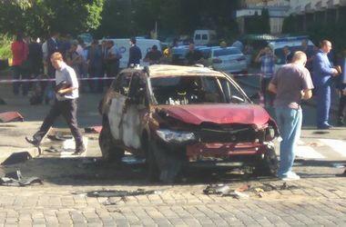Появилось видео погибшего Шеремета в сгоревшей машине (18+)