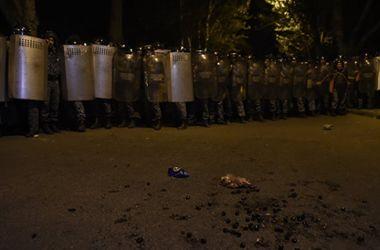 В Ереване произошли столкновения около захваченного полицейского участка