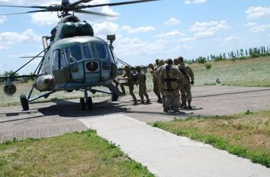 """""""Си Бриз-2016"""": военные отработали безпарашютное десантирование"""