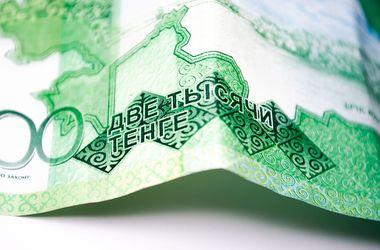Курс доллара в Казахстане взлетел до весеннего максимума
