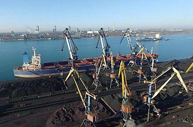 "Порт ""Южный"" установил исторический рекорд по скорости погрузки на судно"