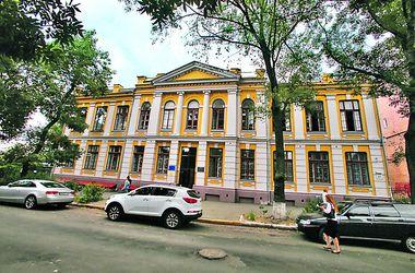 Прогулка по Ярославской в Киеве: мордочки львов и советский вытрезвитель
