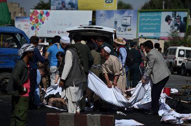 Кровавый теракт в Кабуле: число жертв взрыва резко выросло (18+)