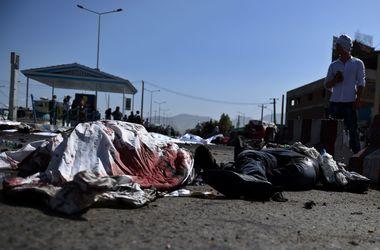 Число жертв кровавого взрыва в Кабуле стремительно растет