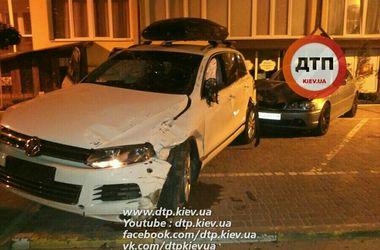 Мойщик разбил три машины, паркуя автомобиль в Ирпене
