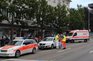 В Германии мужчина напал на прохожих с мачете, есть жертвы