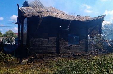 В Киеве горела частная усадьба