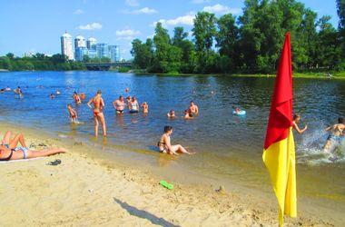 Где в Киеве можно и нельзя купаться: обновление статуса пляжей