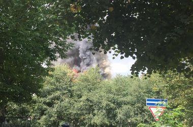 Пожар в жилом доме в центре Львова: спасатели боролись с огнем больше часа