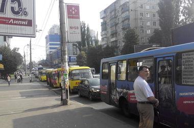 Ремонт улицы Гетьмана в Киеве: пробки и пересадки
