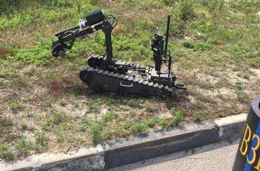Нардеп показал робота-сапера, обезвреживающего гранаты для Крестного хода