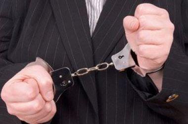 Дело на 50 млн: НАБУ задержало двух чиновников