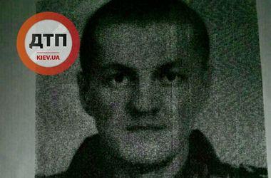 Из воинской части на Донбассе сбежал вооруженный автоматом