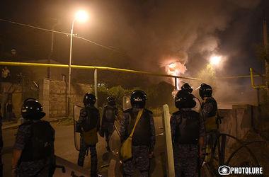 В Ереване число пострадавших в столкновениях достигло 30 человек